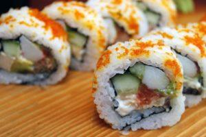 האם סושי באמת נחשב למאכל בריא?